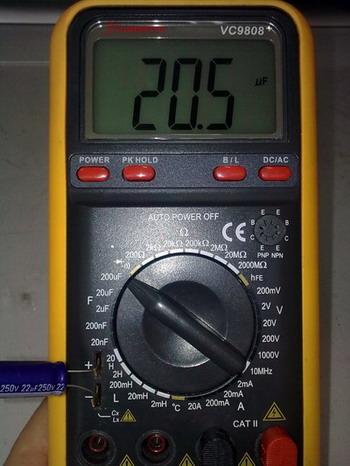 При отсутствии измерителя емкости конденсатор можно проверить другими способами.  Конденсаторы большой емкости (1 мкФ...